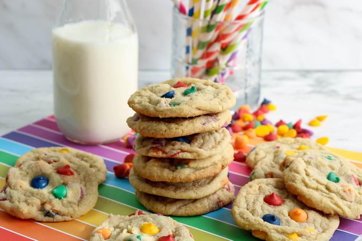 Delicious Rainbow chip cookies
